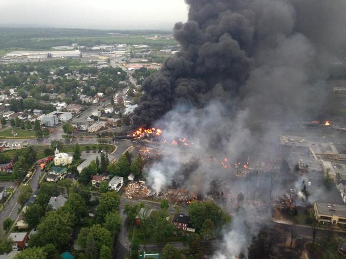 Lac megantic burning