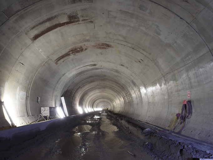 West running tunnel concrete final lining