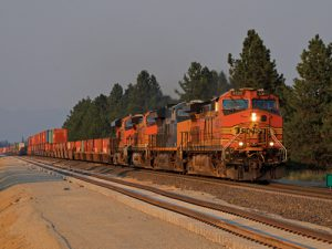 BK2 0172 BNSF westbound stack between Athol and Ramsey ID