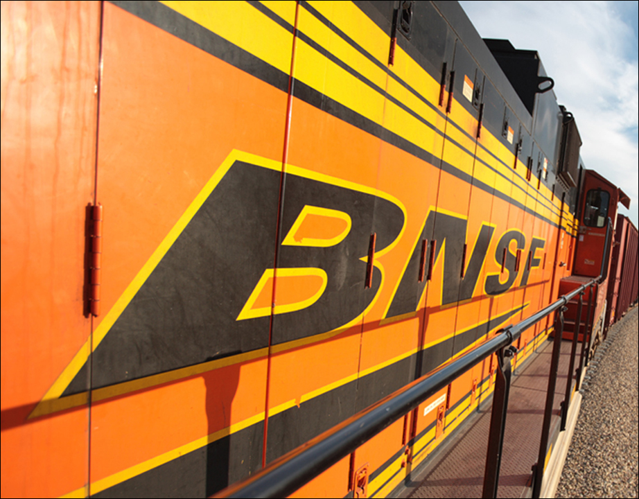BNSF logo locomotive