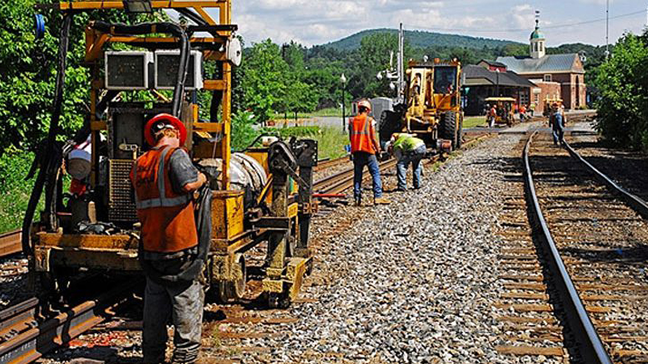 Report: Short lines add $6 5B to U S  economy - Railway Age