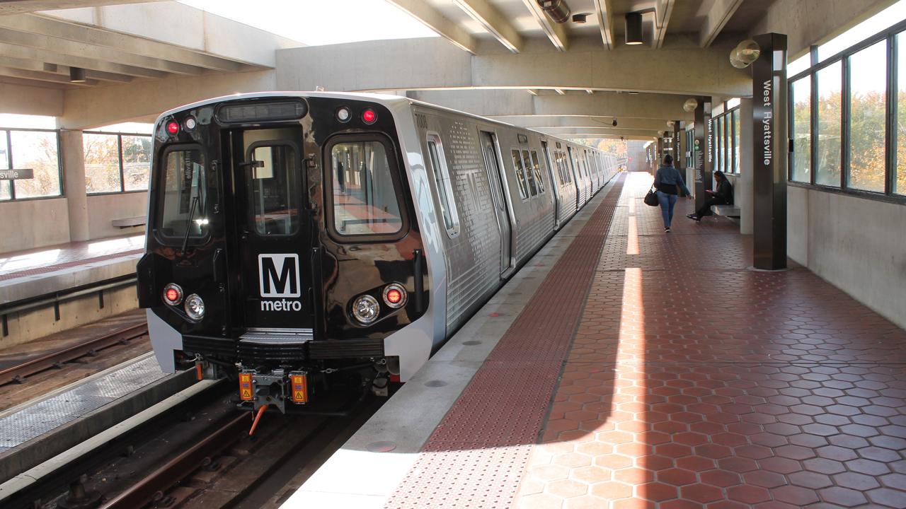 Metro Kawasaki 7000 series