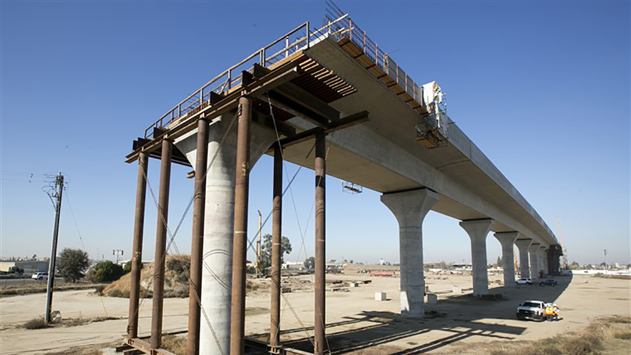 Newsom pulls plug on high-speed rail project