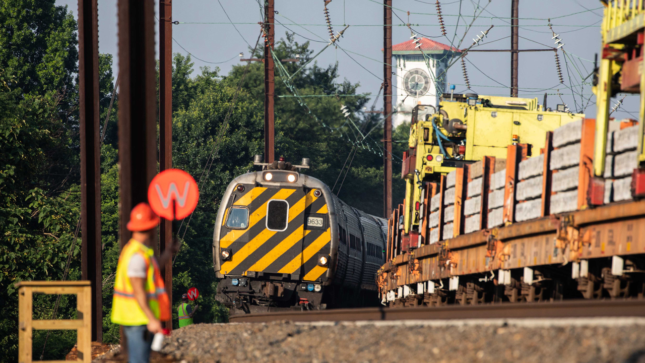 Amtrak needs to take additional steps to reduce service disruptions.