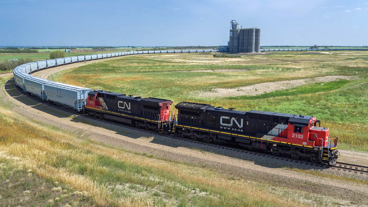 CN expects to start taking delivery of 1,500 new locally built, high-capacity grain cars in January.