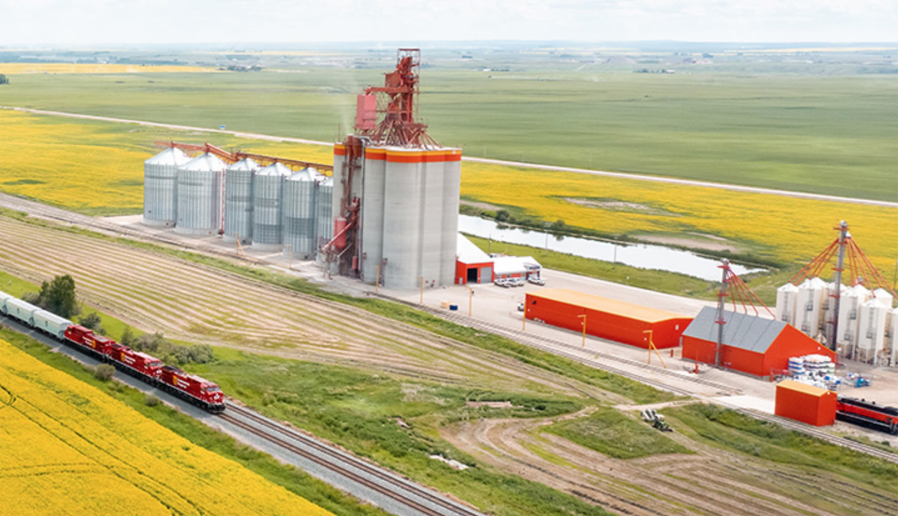 CP moved 7.72 million metric tonnes (MMT) of Canadian grain and grain products over the past three months—up 10.8% since its previous third-quarter record of 6.97 MMT in 2014.