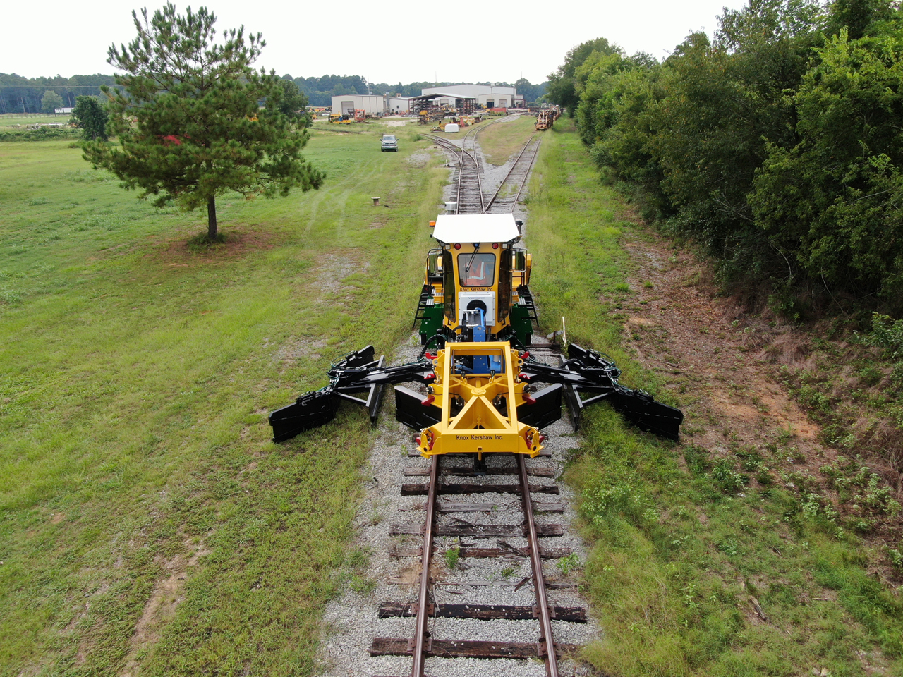 Redesigned in 2019, Knox Kershaw's KBR 925 Ballast Regulator operates on all track types. (Knox Kershaw)
