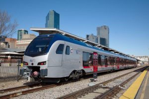As project consultant for Trinity Metro, AECOM will prepare preliminary engineering plans and environmental documentation to continue TEXRail commuter service south to one new station.