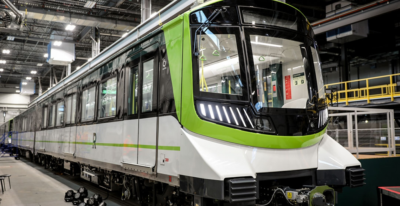 Alstom is supplying REM with not only 212 vehicles (106 trains) based its Metropolis platform, but also its automated and driverless Urbalis 400 communication-based train control (CBTC) system, an Alstom Iconis control center, as well as platform screen doors and depot equipment.