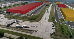 With 2.4 million square feet of building capacity for warehousing and distribution, the new logistics park offers a heavy-haul road network with direct access to Highway 78 and the interstate system, air and seaports, and KCS' intermodal terminal.