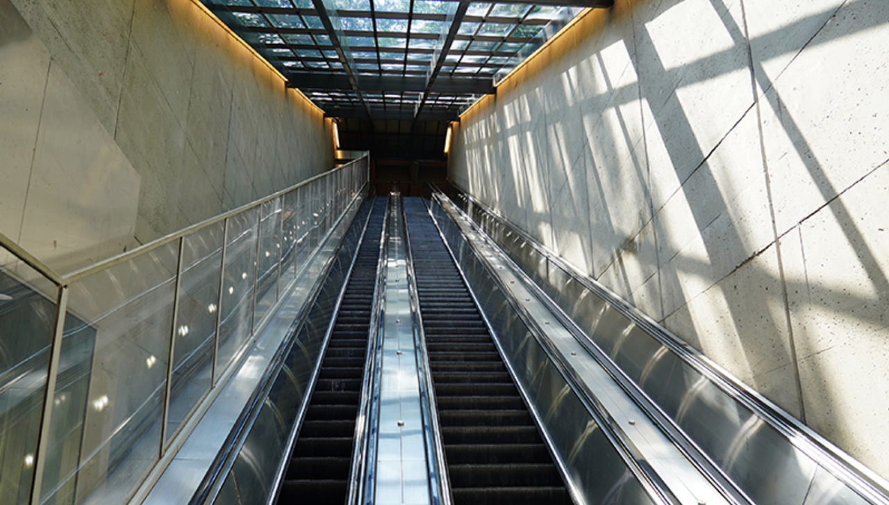 WMATA will replace 130 escalators at 32 stations under a seven-year, $179 million contract with KONE Corp.