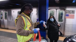 USDOT is offering transportation providers like MTA New York City Transit a new toolkit to help educate employees and riders alike on mask-wearing requirements. (Marc A. Hermann / MTA)