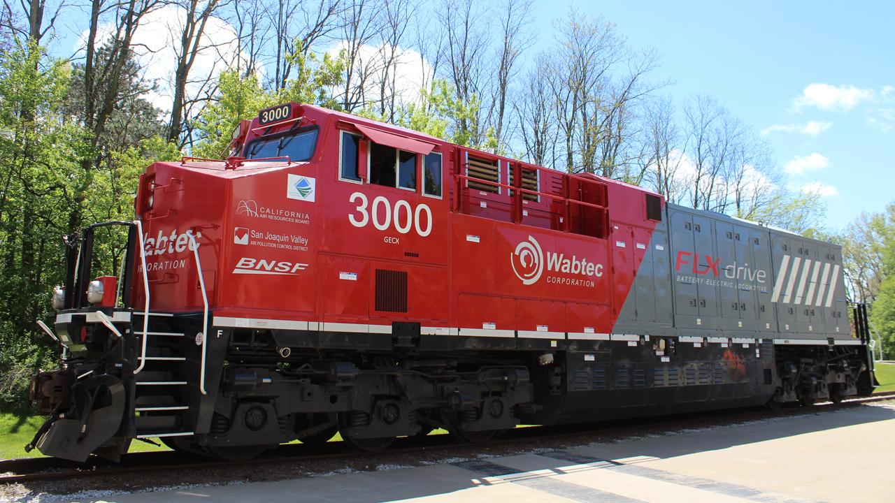 """The battery-electric locomotive (pictured) wrapped up service at the end of March, after running in a """"battery-electric hybrid consist"""" between two Wabtec Tier 4 diesel-electric units across more than 13,320 miles of """"hilly terrain"""" in San Joaquin Valley, Calif."""