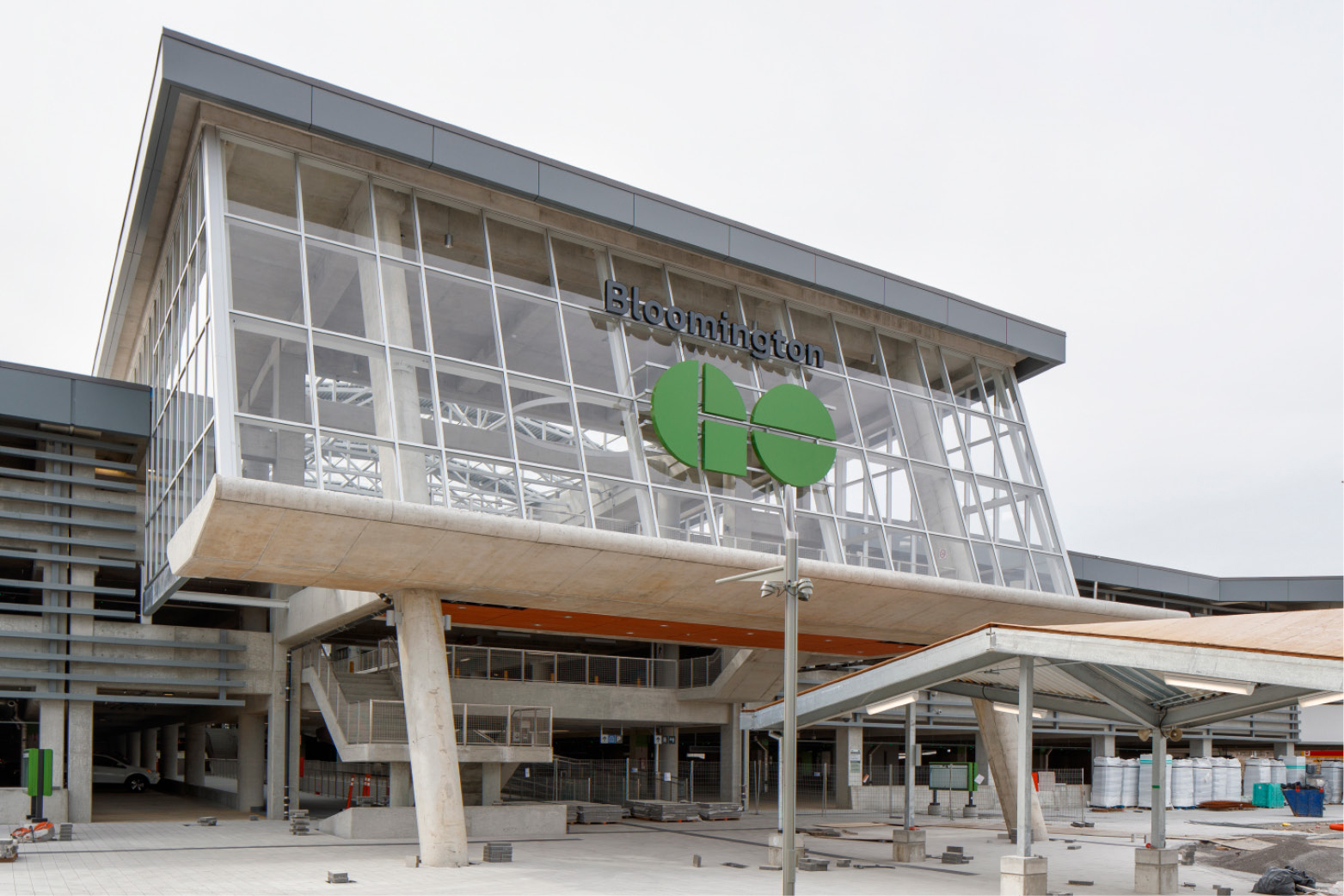 Metrolinx's now-open Bloomington GO Station in York Region at Highway 404 and Bloomington Road extends the Richmond Hill line approximately 3 miles north.