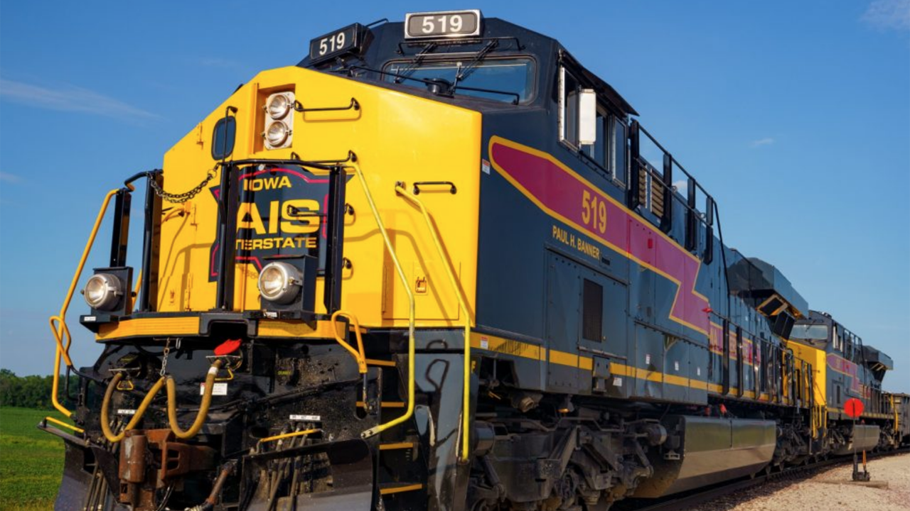 Iowa Interstate Railroad on June 30 celebrated the 100th birthday of founding Chairman Dr. Paul H. Banner. Its most recently purchased locomotive, Wabtec ES44AC #519 (pictured), is named for him.