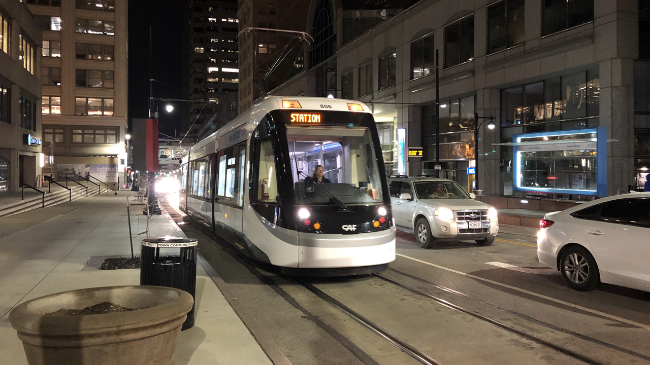 KC Streetcar operates a 2.2-mile route along Main Street in downtown Kansas City, Mo., from the River Market to Union Station/Crown Center. Six streetcars serve the route's 16 stops. (Photograph: William C. Vantuono)