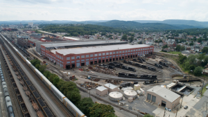Norfolk Southern has signed agreements with Penelec and Met-Ed utilities to purchase 100% renewable energy to power its Altoona and Pittsburgh ops.